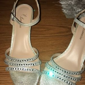 Lauren Lorainne formal 2.5 inch heels